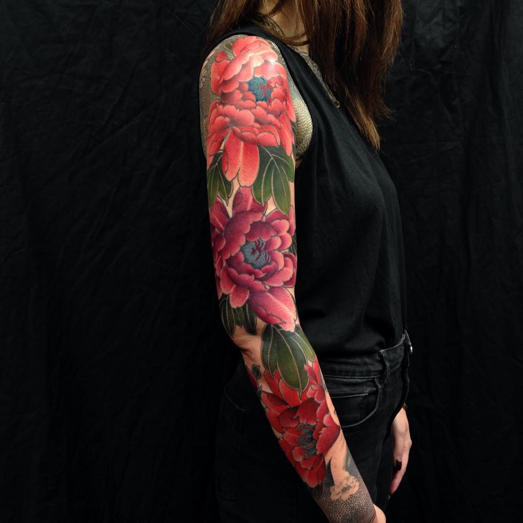 25 full sleeve tattoo ideas you 39 ll love forever for Flower tattoo arm