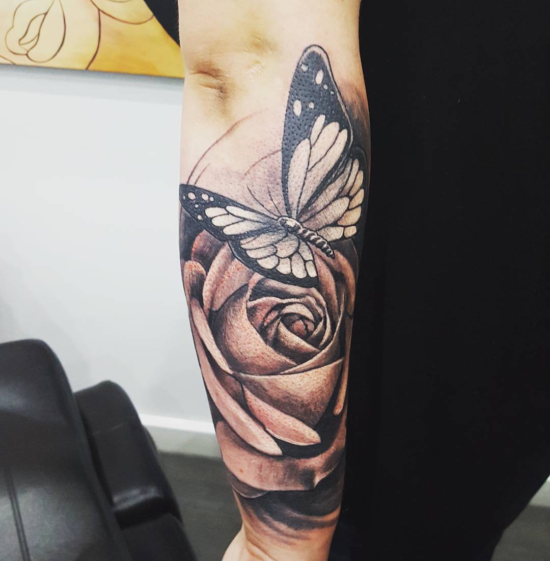 Tattoo Leg Man Rose Flower Black And White: 28 Awesome Butterfly Tattoos With Flowers That Nobody Will