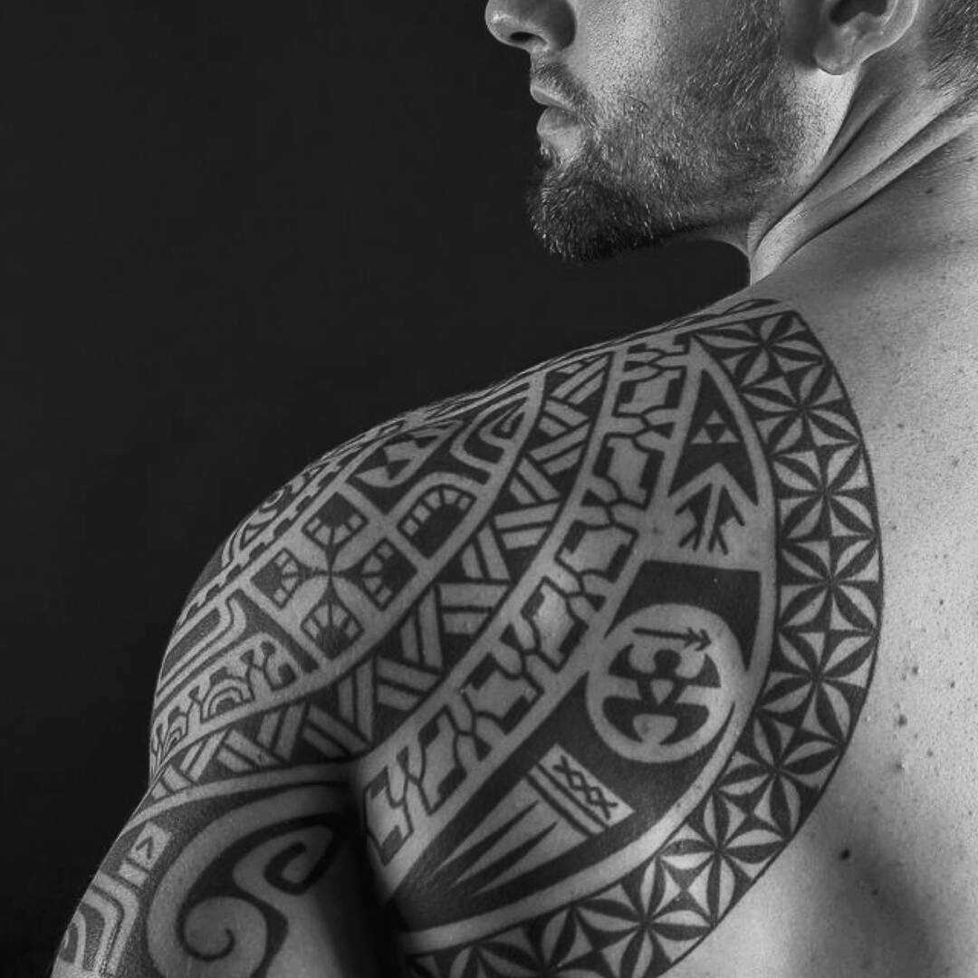 Tribal Back Shoulder Tattoos For Men