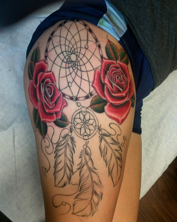 dreamcatcher tattoos on thigh for men