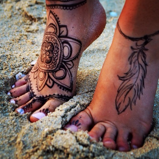 henna feather tattoo on foot