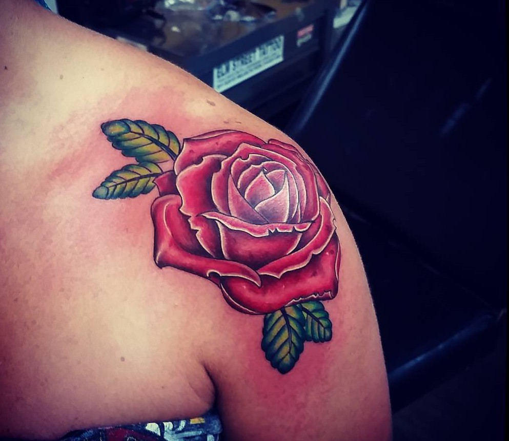 shoulder rose tattoos
