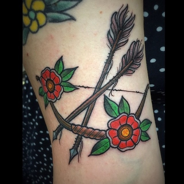 bow-and-arrow-flower-tattoo