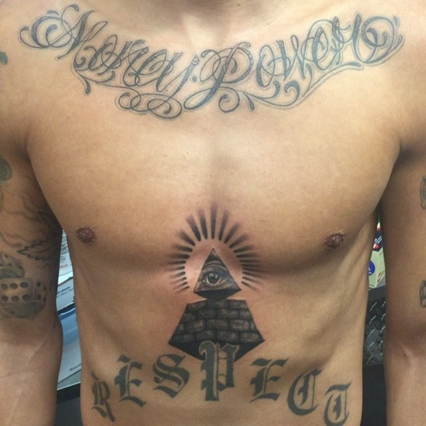 collar bone tattoo designs for guys-7