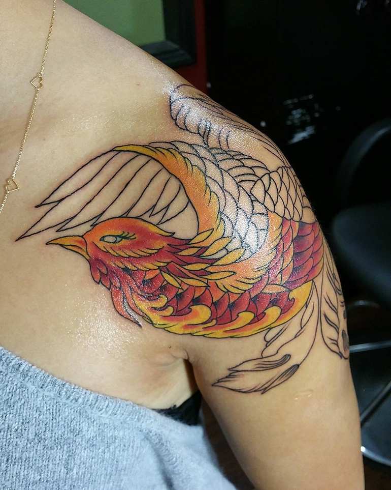 phoenix-tattoos-for-women-on-shoulder