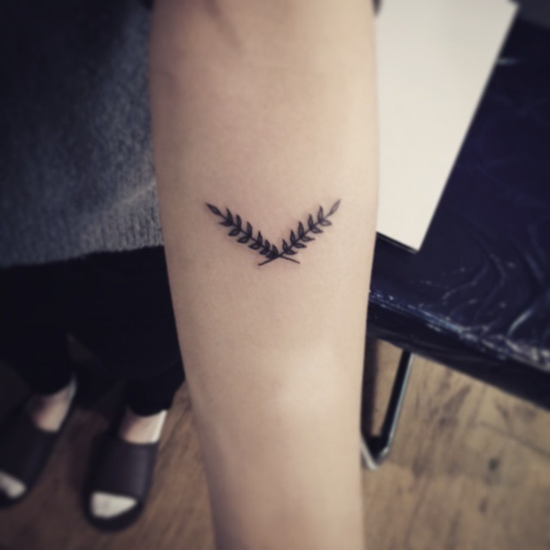 laurel wreath tattoo-50